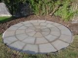 garden-landscapes-pavers-circle-tiles-images