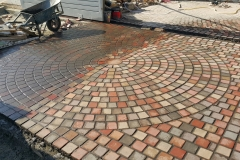 beautiful-circle-paving-driveway-and-walkways-tiles-images