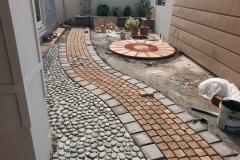 beautiful-circle-paving-garden-driveway-and-walkways-tiles
